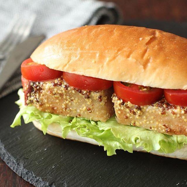 豚塊肉を漬けて炊飯器で炊くだけ!「炊飯器でできる自家製ハム」とアレンジレシピをご紹介しています。アレンジレシピは厚切りハムの生姜焼きが特におすすめです^^http://r.gnavi.co.jp/g-interview/entry/fcf/4020  #みんなのごはん#ハム#自家製ハム#豚肉#料理#手作り#自家製#肉料理#おうちごはん#肉#サンドイッチ#sandwich #meat#pork#cooking#cookingram#food#foodstagram#japan