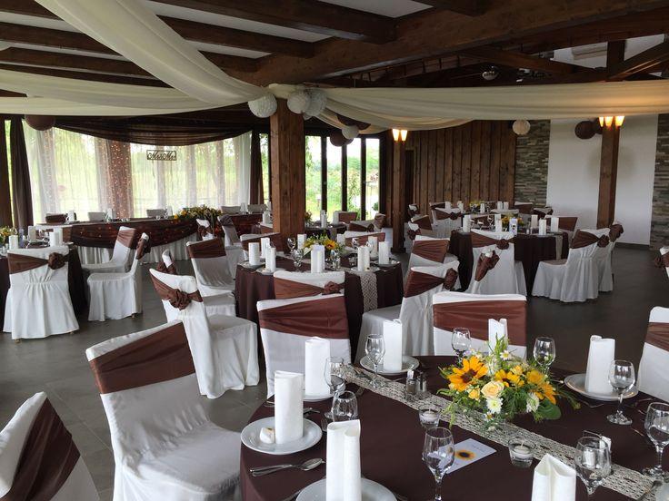 wedding table and chair decoration esküvő asztal és szék dekoráció