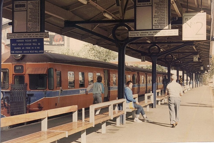Perth Railway Station, 1987.