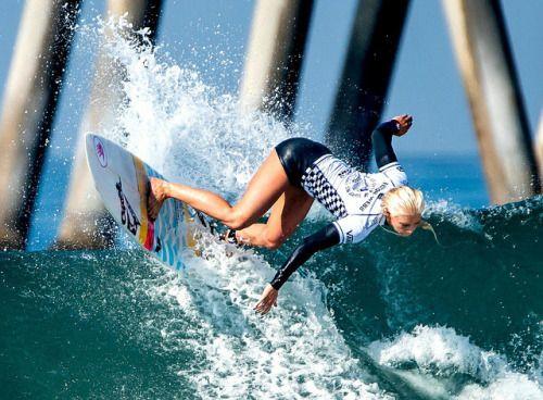 Huntington Beach with pro surfers Alana Blanhard, Lakey Peterson, Laura Enever, Sally Fitzgibbons, Coco Ho, Stephanie Gilmore, newcomers Nikki Van Dijk and Tatiana Weston.