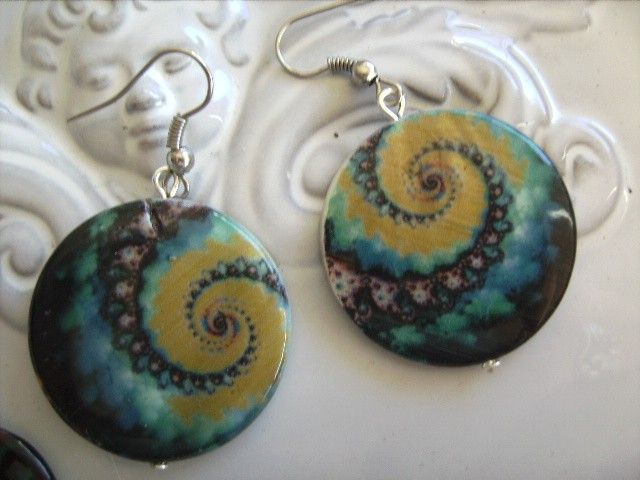 gorgeous swirl  round shell beaded earring, other designs availble earrings