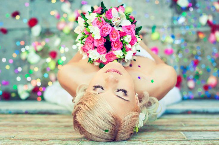 Każda Panna Młoda marzy, by jej ślub był wyjątkowy. Niektóre z nas już od dziecka układają sobie w głowie cały plan. Ma być cudownie - piękna suknia, świecidełka, ozdoby, kwiaty... A później dopada nas rzeczywistość. Przecież to wszystko kosztuje!