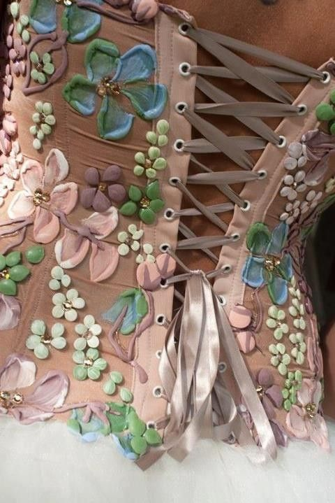 Such a beautiful corset!