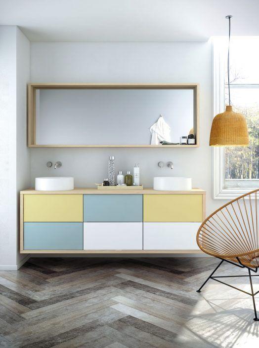 Muebles de baño personalizados, hechos a medida.  PLANTEAMIENTO 1. Generar mucho espacio almacenaje 2. Diseño práctico. SOLUCIÓN 1. Mezcla de acabados que aligere el conjunto. 2. Multi-cajones o espejos con almacenaje 3. Combinación original de acabados.