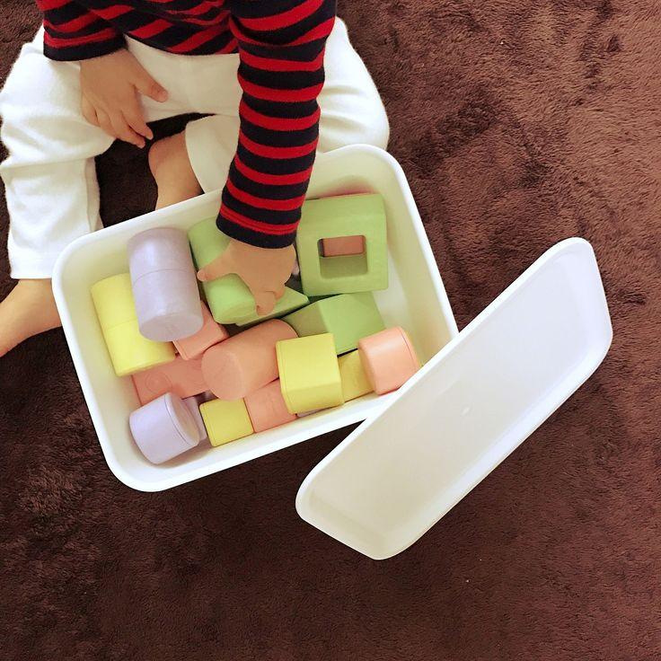 100均×フタ付きプラBOXのインテリア実例 | RoomClip (ルームクリップ) Lounge/100均/ラグ/おもちゃ箱/おもちゃ/セリア/シンプル/