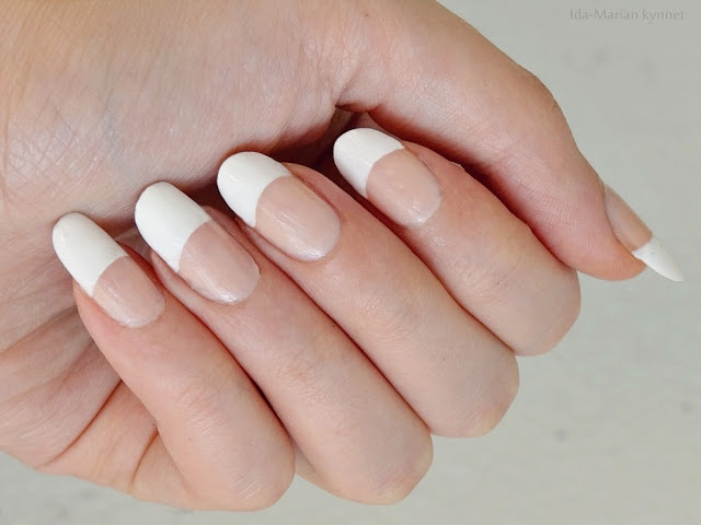 Ida-Marian kynnet / Simple french manicure (natural nails) / #Nails #Nailart