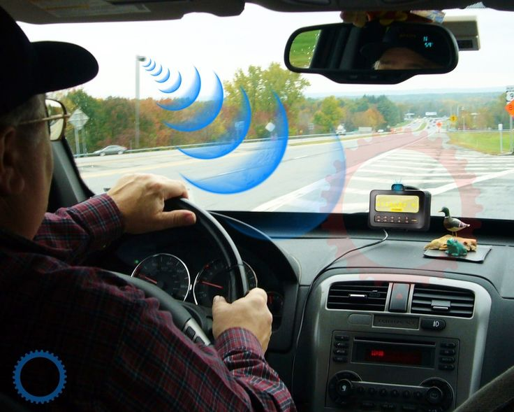 Quem, dirigindo, já não teve o ímpeto de informar o condutor próximo de algum problema no veículo dele ou na própria estrada, para evitar um acidente ou simplesmente para ser útil?