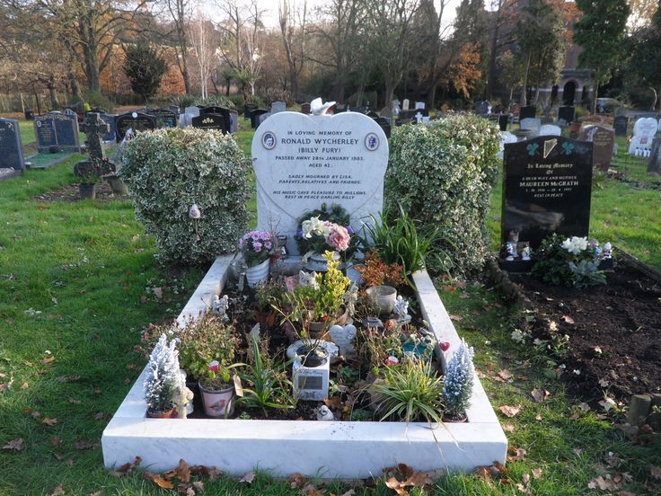 Billy Fury's resting place in Mill Hill, London. 3.12.2016