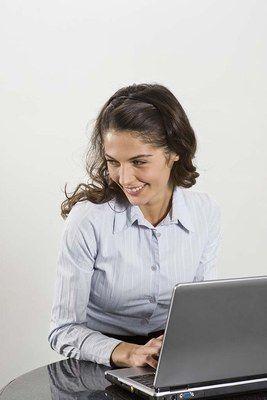 Den Arbeitgeber kennen  - Bewerbungstipps: Tipps für das Vorstellungsgespräch - - Recherchieren Sie über Ihren potentiellen Arbeitgeber - Stellen Sie während des Gesprächs keine Fragen, die Sie auch allein hätten herausfinden können, z...