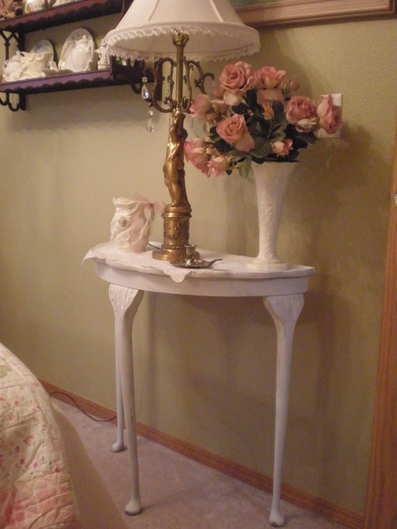 20 Best Images About Three Legged Tables On Pinterest