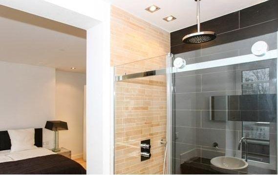 Vriend Connie Breukhoven koopt appartement van Hans Breukhoven. Zie foto's - Bekende Buren