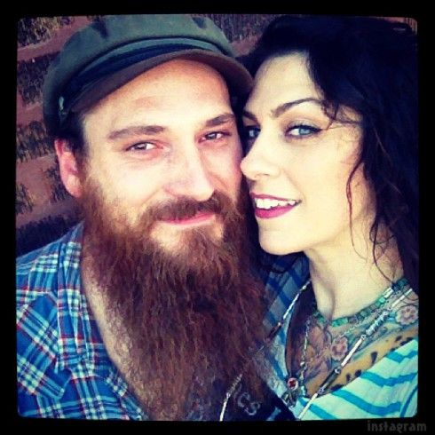 Is American Pickers Danielle Colby married? Meet her husband Alexandre :-( ........ Lucky Man !!