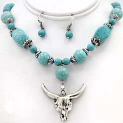 Western Turquoise and Silvertone Longhorn Necklace and Earring Set
