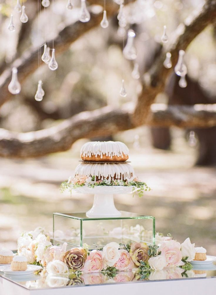 Nothing Bundt Cakes! Stylish and chic New Orleans styled wedding shower by Arte De Vie.  New Orleans, Paris, and Worldwide photography