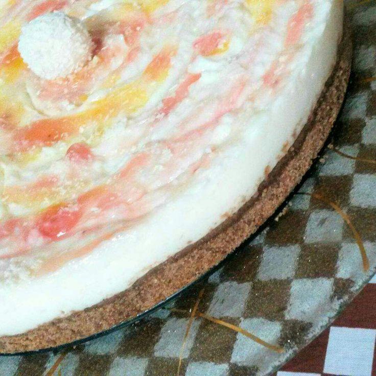 """""""L'unico modo per avere un buon lavoro è amare quello che fai"""". Buon 1 Maggio ⚠ #Cheesecake 🍰 @instafoodnina . . . #buongiorno #homemade #chocolate #cream #cookies #handmade #torta #dolce #lavoro #coconut #yummy #marmellata #strawberry #apricot #dessert #dolci #biscuits #cucina #passion #happiness #myjob #nutella  #lovefood #instafood #gialloblog #creative #colors"""