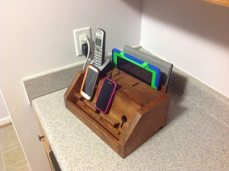 Homeipad And Smartphone Charger With Slots Phone