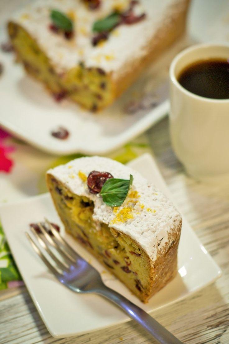 El panqué de arándano es el postre ideal para acompañar un rico café. Es un delicioso panqué con sabor dulce y con un toque de naranja. Una receta sencilla de cocinar, y con un sabor inigualable.