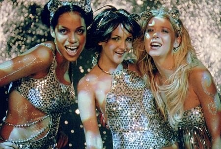 Rachael Leigh Cook, Tara Reid and Rosario Dawson in Josie and the Pussycats