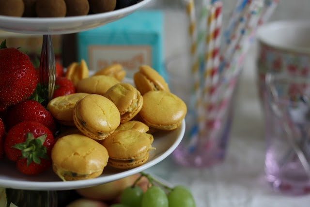 Passionsfrugt-macaroons