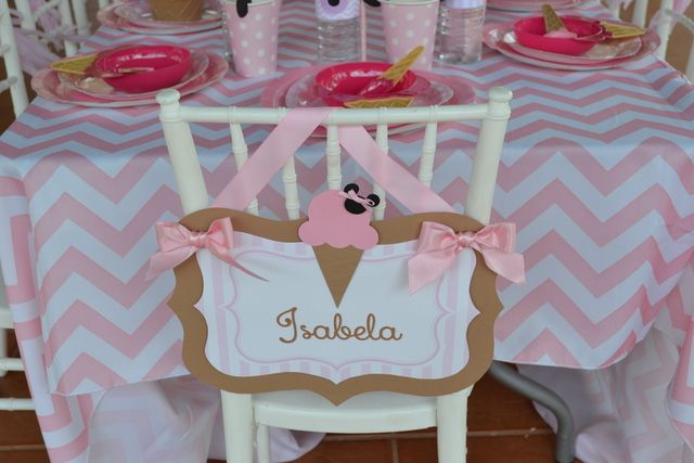 Decorated chair at a Minnie Mouse Party #Minniemouse #partychair
