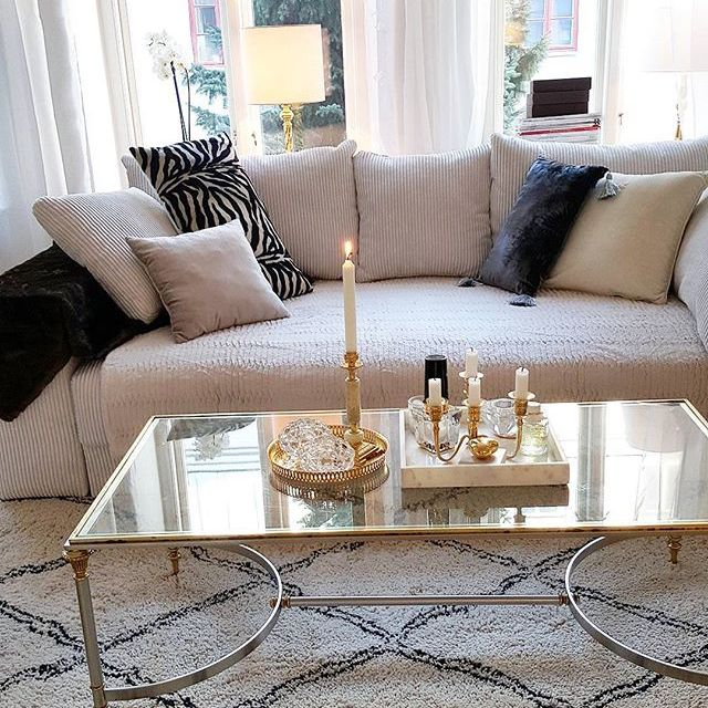 Vit Björnen bäddsoffa. Soffa, compact living, smart förvaring, vardagsrum, sovrum, ullmatta, inredning, möbler. http://sweef.se/soffor/76-bjornen-baddsoffa.html