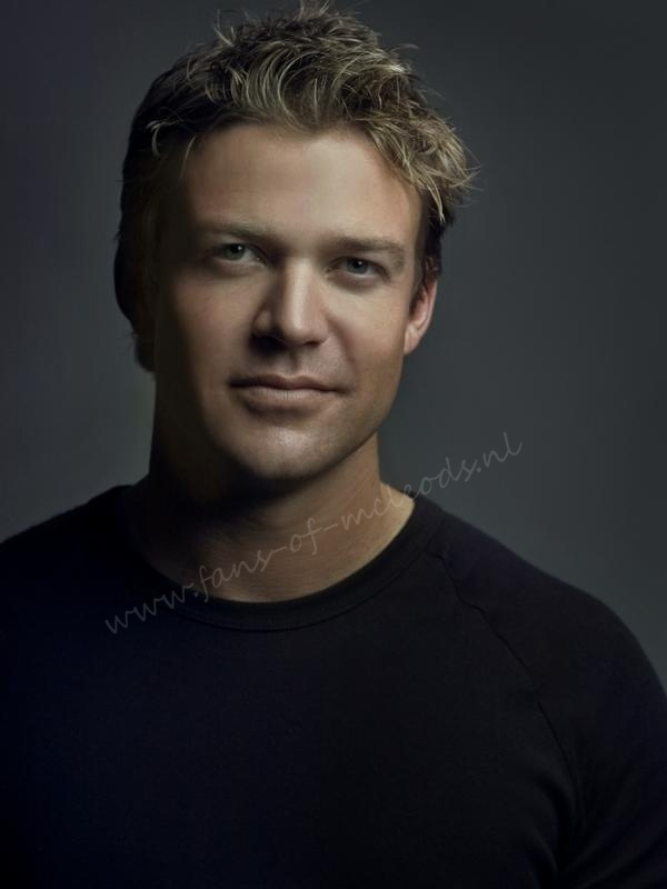 yes please! | Matt Passmore of McLeod's Daughters \ The Glades