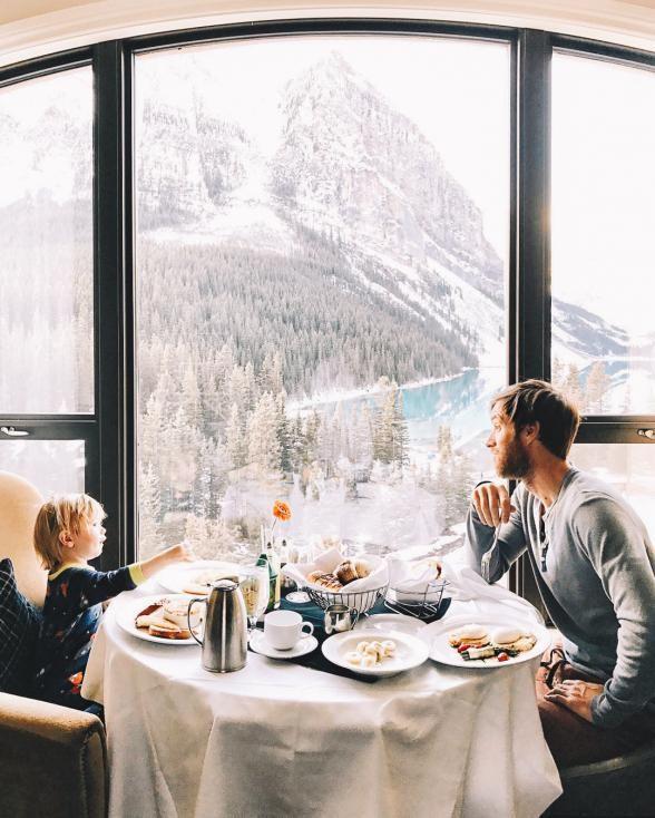 36 of the World's Best Ski Chalets and Lodges to Visit Right Now | The Fairmont Chateau Lake Louise