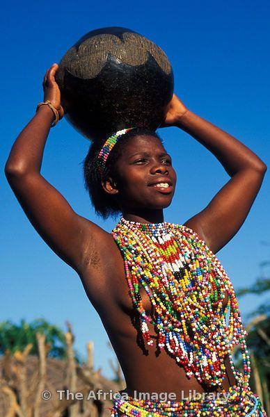Africa   Zulu maiden wearing beads, Kwazulu-Natal, South Africa   © Ariadne Van Zandbergen