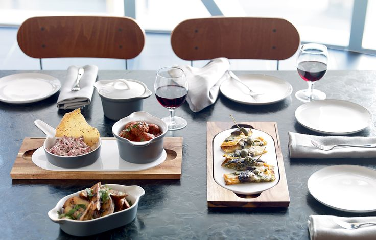 Serve up a rustic meal in individual serving dishes from Gordon Ramsay by Royal Doulton Bread Street.