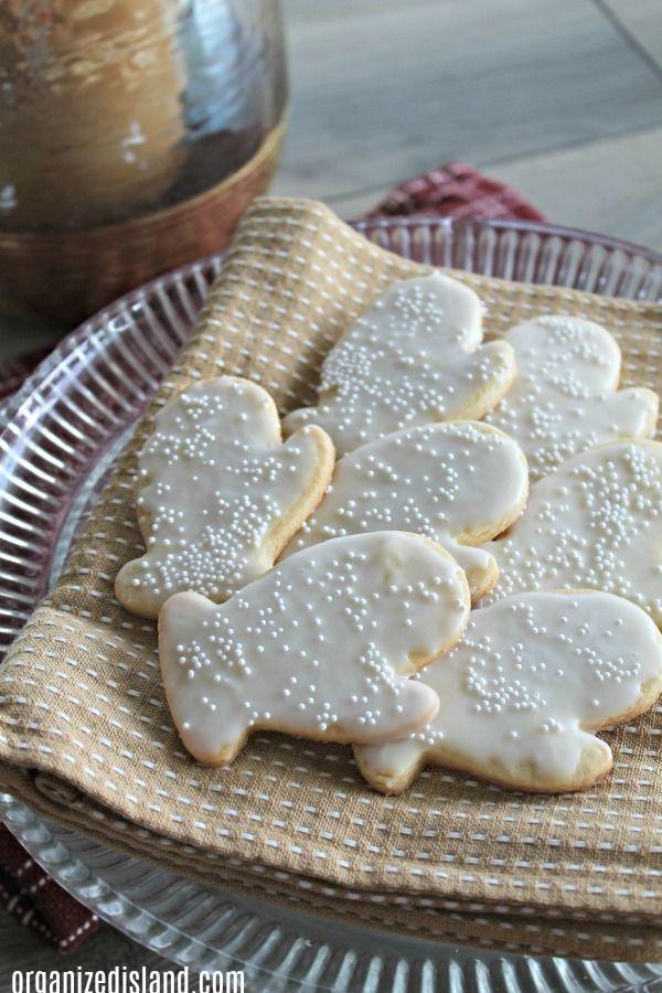 Crisp Christmas Sugar Cookie Recipe Sugar cookies recipe, Cookie