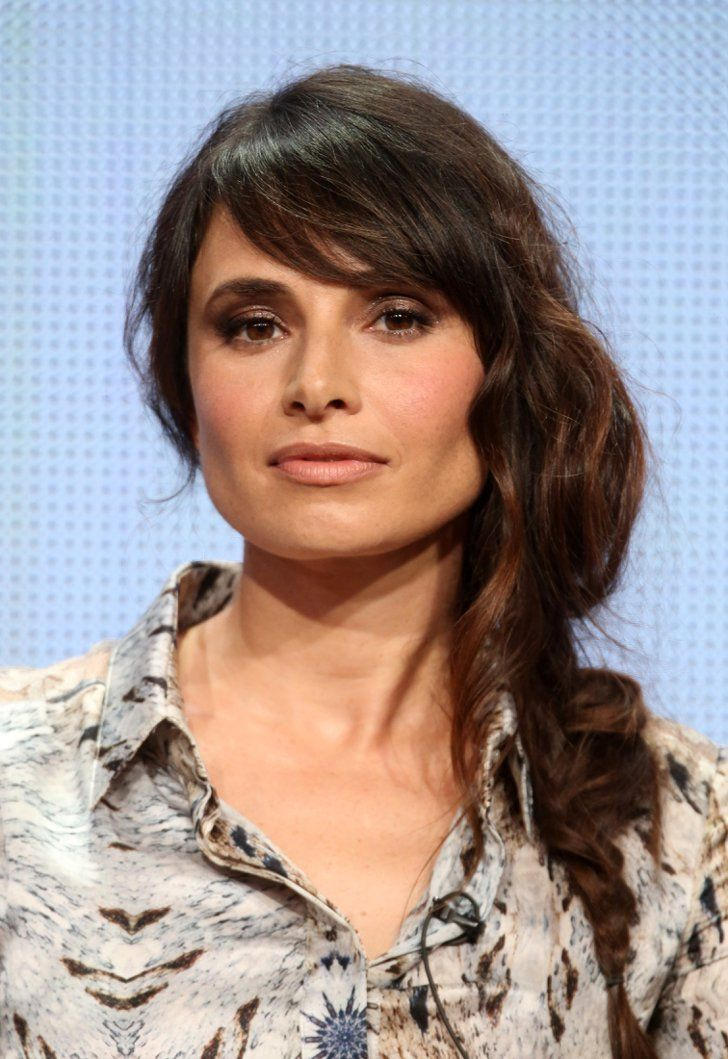 Pin for Later: Celebrities Play With Their Beauty Looks at Comic-Con Mia Maestro While on the 2014 Summer TCA tour, Mia wore her hair in a messy, undone fishtail braid that brought out her flawless bone structure.