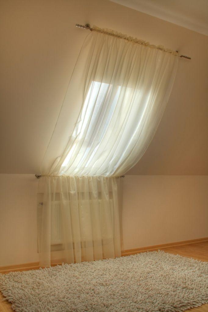 вариант оформления мансардного окна.