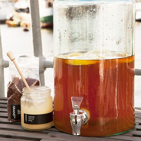 Ice tea with honey. Recipes by PopUpSthlm find them at www.granit.com/deli