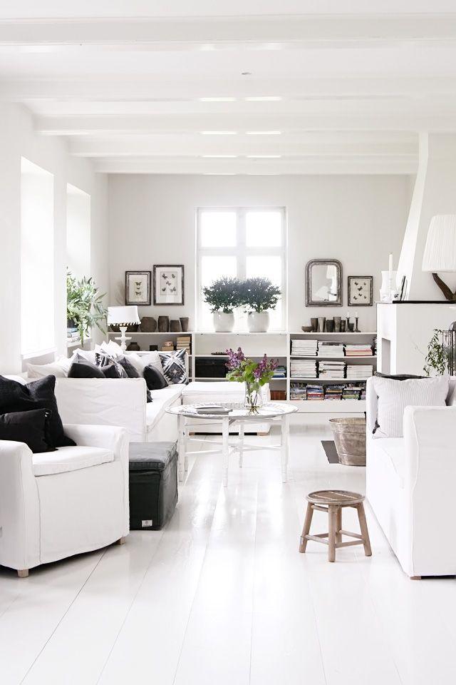 : Living Rooms, White Living, White Spaces, Paintings Woods Floors, Nordic Design, Interiors Design, White Rooms, Black White, Paintings Floors