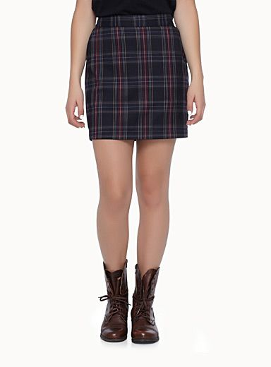 Exclusively from Twik     Trendy Scottish plaid pattern, synonymous with back-to-school!   Soft fine wool weave over matte satiny lining   Elastic waistband at back   Slant front pockets   Matching dress, jacket and pant also available   The model is wearing size small