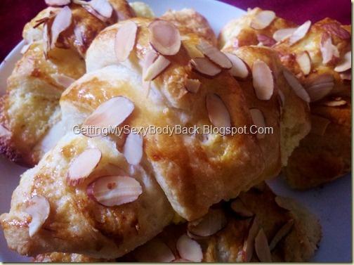 Almond Filled Croissants/ Croissant Fourrés aux Amandes #food #desert #recipe #pastry