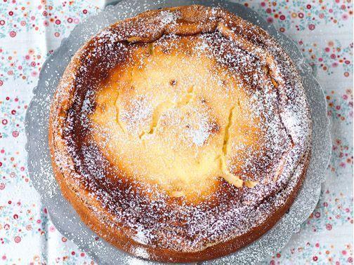 Käsekuchen ohne Boden Rezept - schnell und einfach | Für Sie http://www.fuersie.de/kochen/backrezepte/artikel/kaesekuchen-ohne-boden