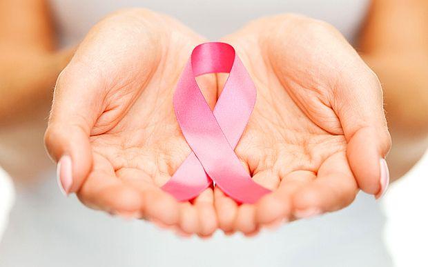 Mars de solidaritate pentru femei diagnosticate cu cancer la san