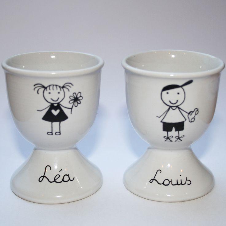 Coquetier personnalisable, peinture sur porcelaine. Modèle unique fait main par Claudia