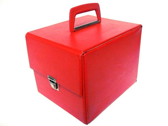 Vintage record storage box for singles red faux by VintageBreda, €20.00