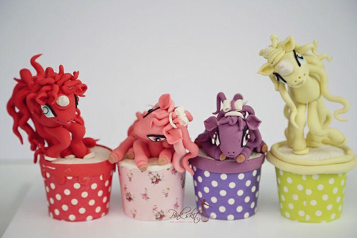 4 little ponies
