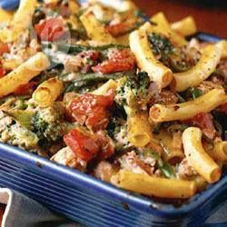 Leftover chicken recipe: Chicken and broccoli pasta bake. Minus the tomatoes and cook the broccoli for less time
