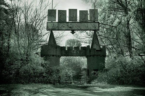 Abandoned Royal Land Amusement Park - Meridian, MS