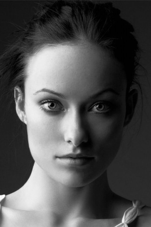 640x960 Olivia Wilde Black and White Portrait