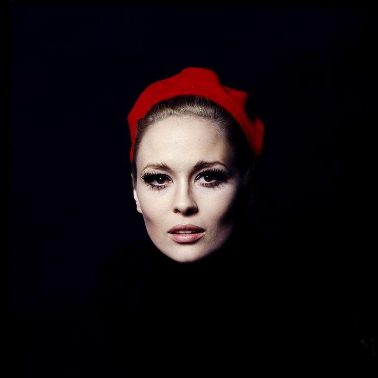 The gorgeous Faye: Inspiration, Faces, Style Icons, Jerry Schatzberg, Faye Dunaway, Portraits, Photography, Fayedunaway, Jerryschatzberg