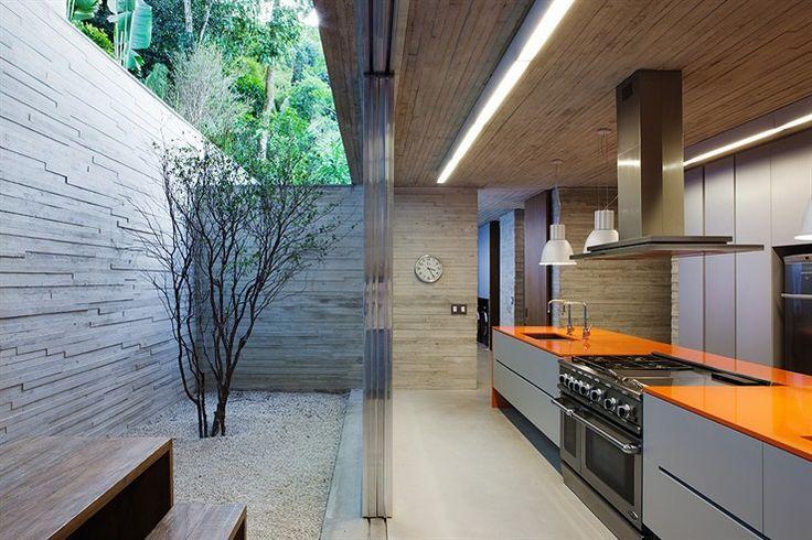 Paraty House by Studio MK27
