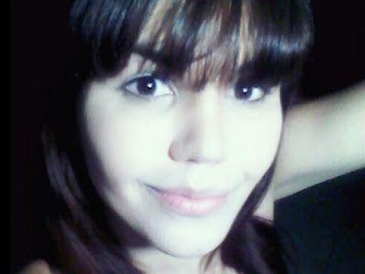 A transexual Emanuelle Muniz, de 21 anos, foi morta a pedradas após ser vítima de um sequestro n...