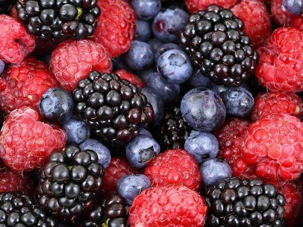 I benefici dei frutti rossi per mamme e bambini