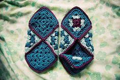 [Easy] Crochet Granny Square Slippers - Free Pattern!