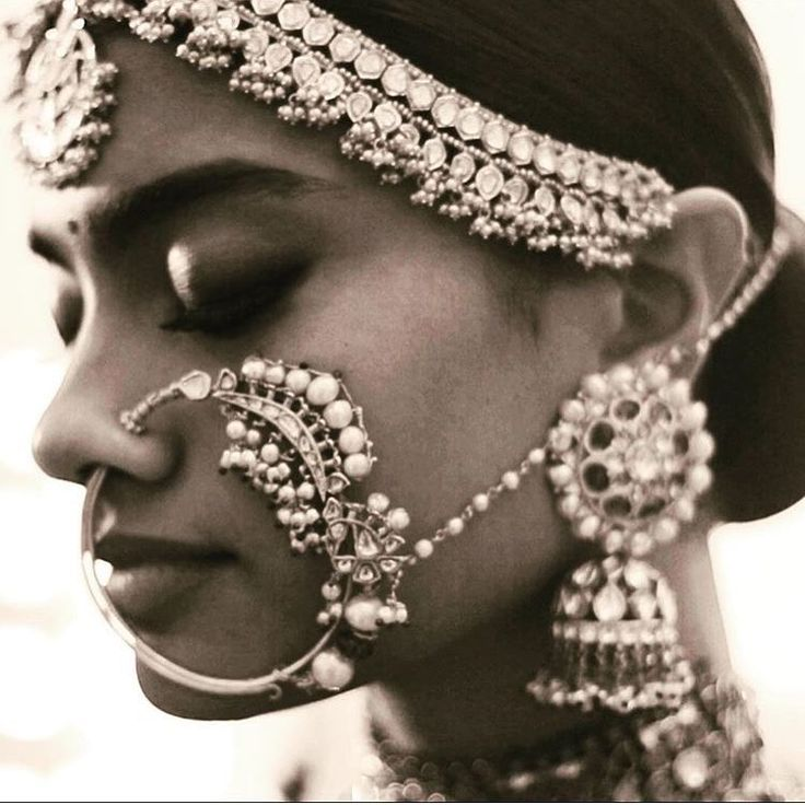 #SabyasachiBride #Sabyasachi #Jewellery #BridalJewellery #KishandasForSabyasachi #Mathaptti #HeritageNath #Jhumkas #Royal #Regal #Maharani #Beautiful #Gorgeous #Classic #Glamourous